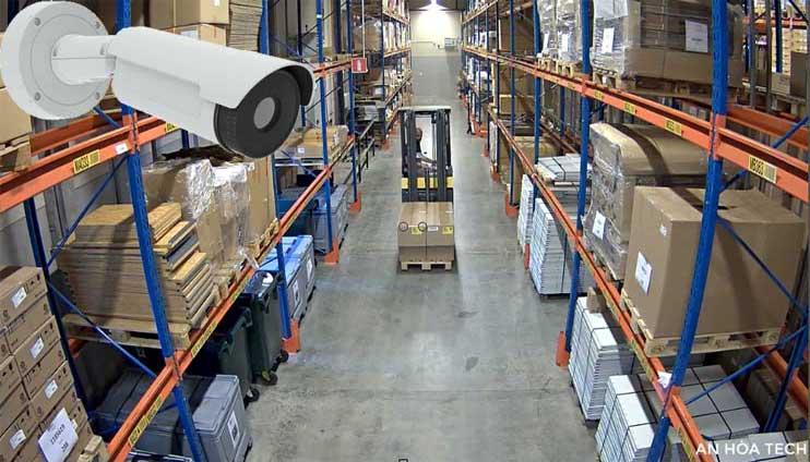 Camera quản lý kho hàng, vận đơn trong logistics